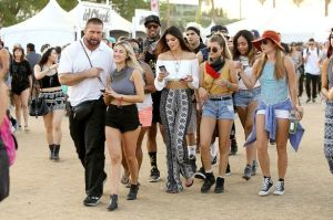 Kendall-and-Kylie-Jenner-at-Coachella